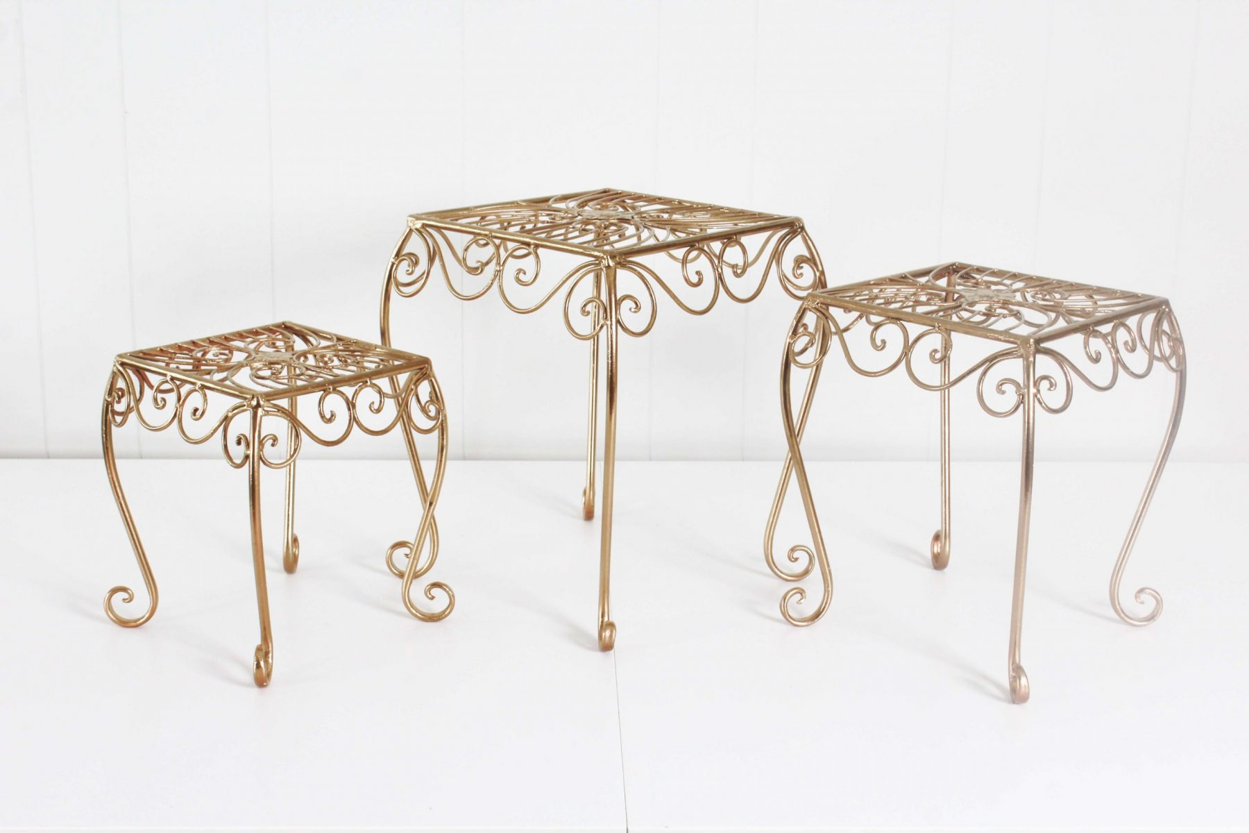 cake stands gold 2