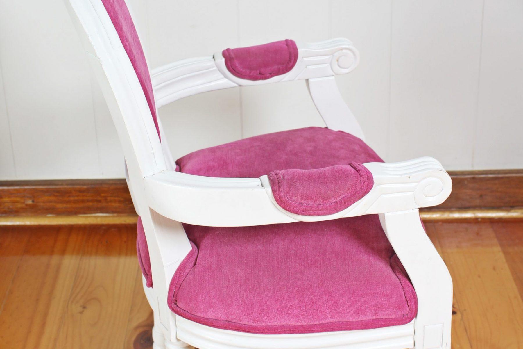 pinkchair4